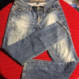 Gap distressed jeans size 6/28R